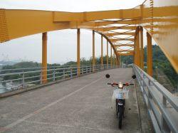 橋の上でパチリ